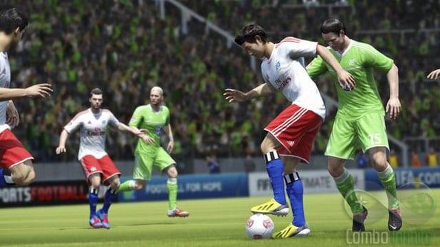 Proteger a bola com o corpo traz mais estratégia pra jogabilidade.