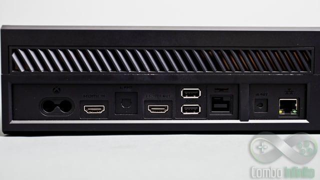 Saídas não faltam no Xbox One. Tem HDMI, USB, LAN, etc, etc.