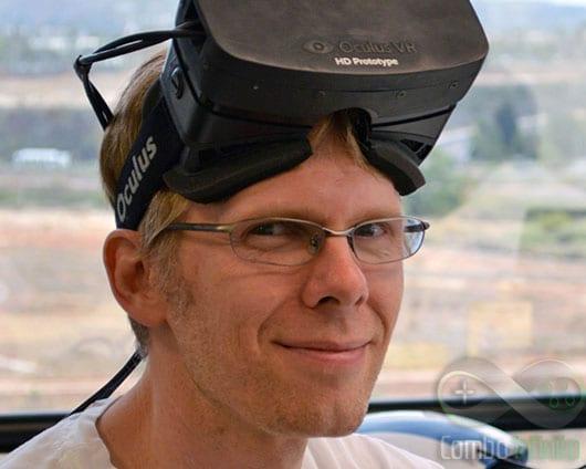 Carmack todo meninão, com o Oculus Rift na cabeça.