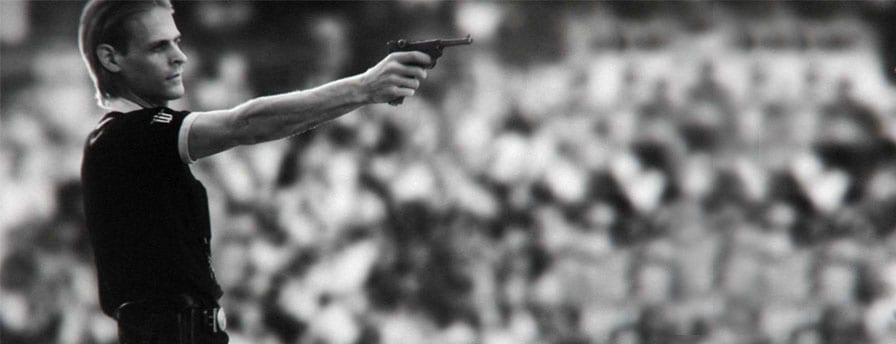 Novo-trailer-de-Wolfenstein-mostra-cenas-de-futebol-com-um-arbitro-linha-dura