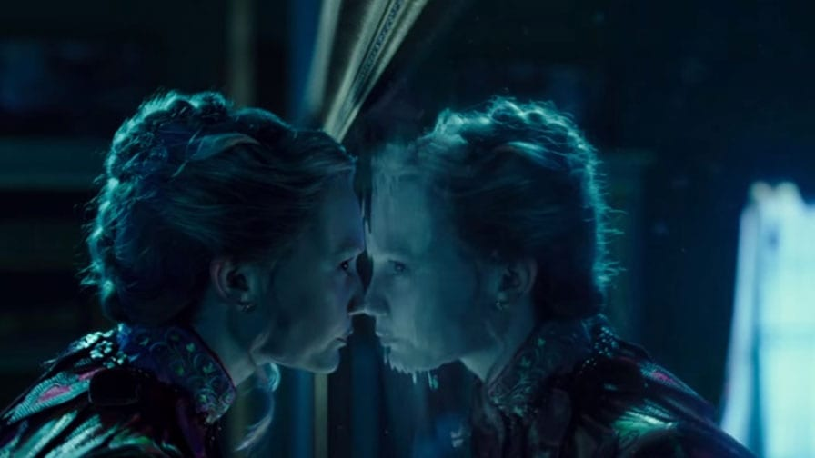 Crítica Alice Através Do Espelho O País Das Maravilhas Está De