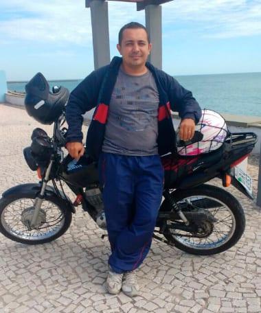 Denis-motoboy