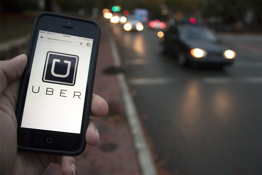 Francês processa Uber por ter 'causado' seu divórcio.