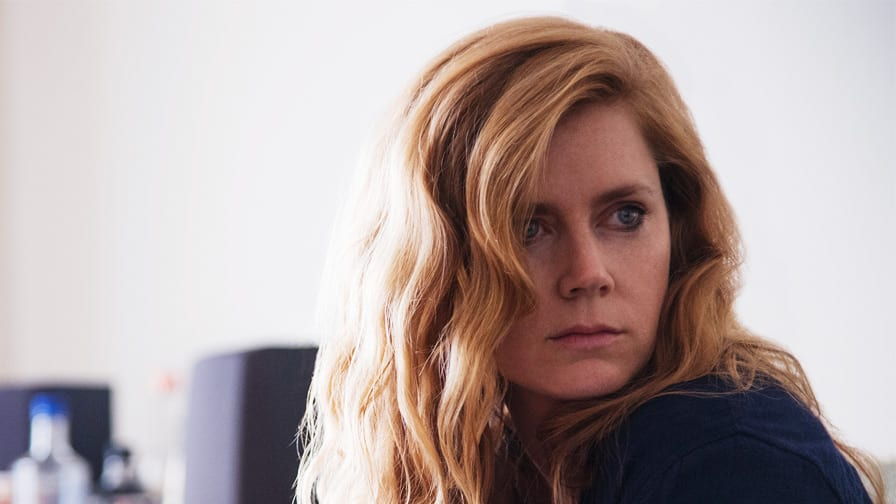 MAR EM CHAMAS Sharp-objects-amy-adams