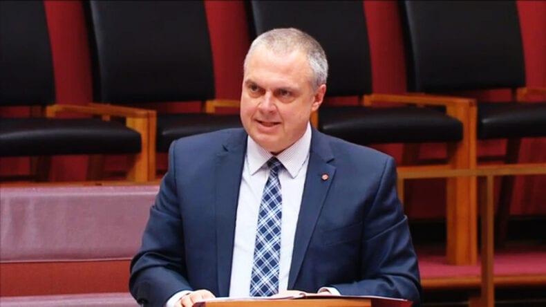 Anime: Senador Australiano que banir animes